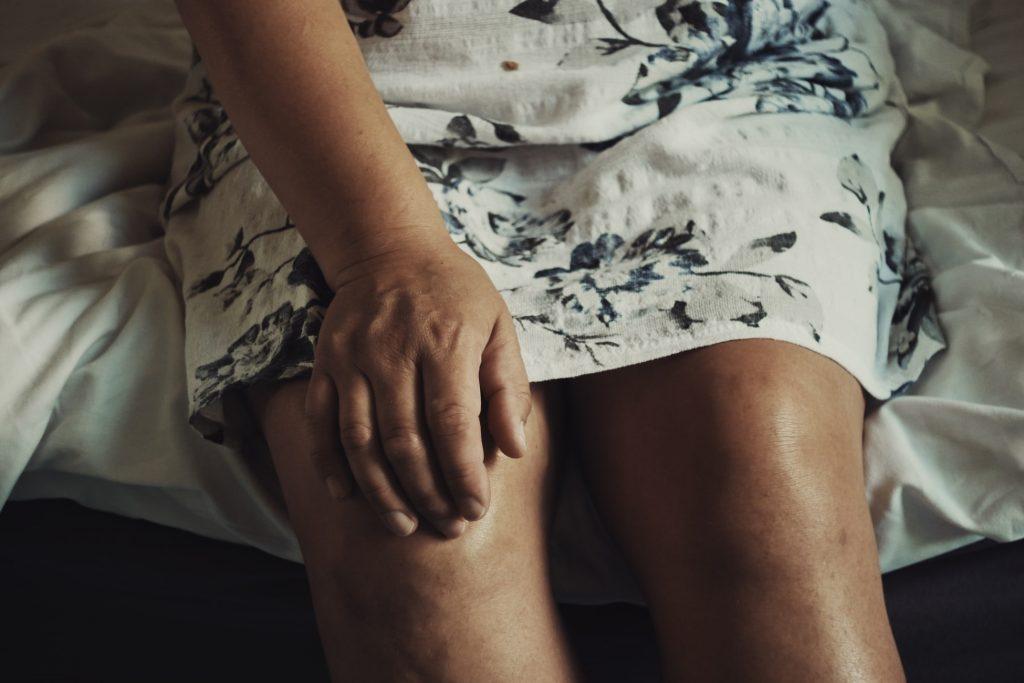 b cure, b-cure, b cure laser, b-cure laser, b cure laser romania, b -cure laser romania, stop durere, durere, opreste durerea, oprește durerea, laser, tratament laser, terapie laser, gabriela vilcea, gabriela vîlcea, gy medical solutions, vindeca durerea, vindecă durerea, aparat pentru durere, aparat medical pentru durere, dispozitiv pentru durere, dispozitiv tratament durere, aparat tratament durere, dispozitiv medical pentru durere, tratament durere laser, terapie durere laser, durere cronica, durere cronică, soft laser, cold laser, laser lllt, sănătate, vindeca durerea, vindecă durerea, sanatate, sănătate, durere articulatie, durere articulație, durere articulatii, durere articulații, durere genunchi, dureri genunchi, gonartroza, tratament durere genunchi, tratament dureri genunchi, tratament gonartroza, gonartroză, tratament gonartroză