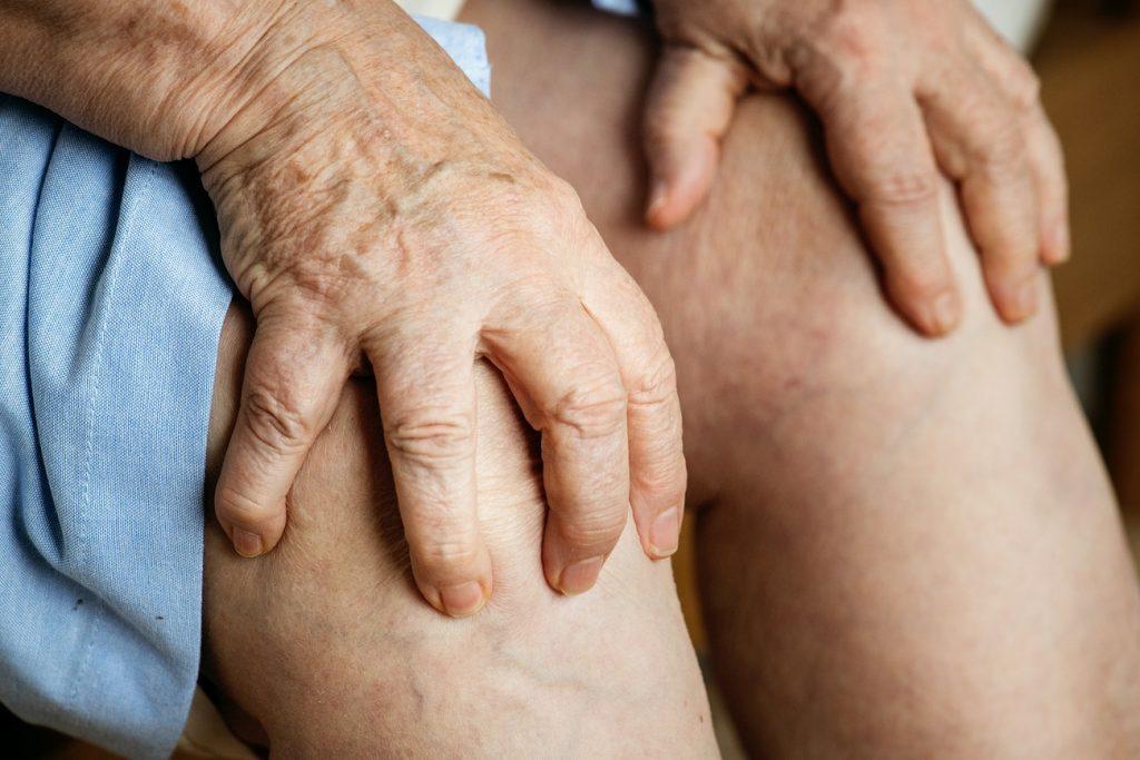 tratament la genunchi la rece)